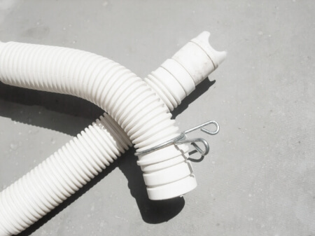 【自分でできる】洗濯機の排水ホースを交換する方法