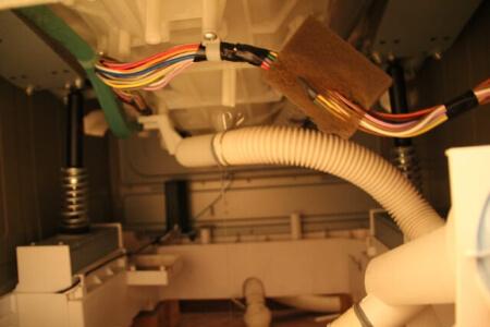 ホースクリップを使わず洗濯機の排水ホースを交換する方法