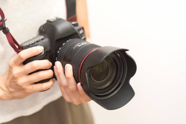 【デジカメ以外の動画撮影】撮影機器「一眼レフカメラ」の特徴