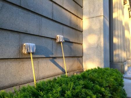 【外壁の高圧洗浄】家にあるもので外壁を掃除する方法