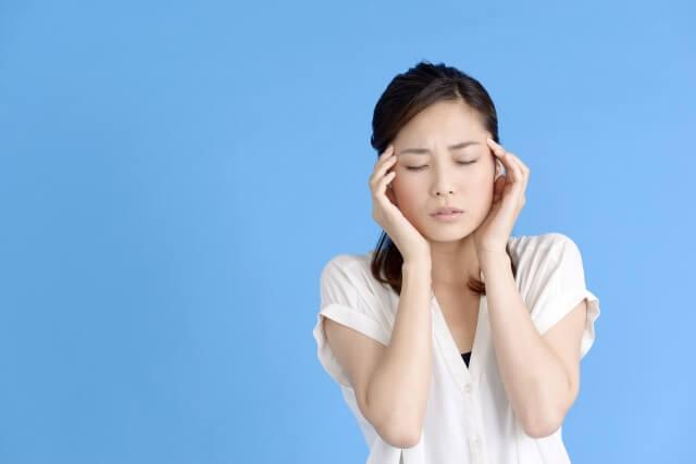 【マッサージで頭痛を改善】簡単!1分でできるセルフケア
