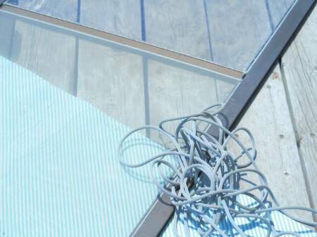 網戸に隙間や穴が開いているなら網戸を張り替えよう!