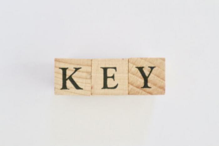 【鍵の複製】種類・費用相場・注意点を紹介!家の防犯対策と鍵の複製
