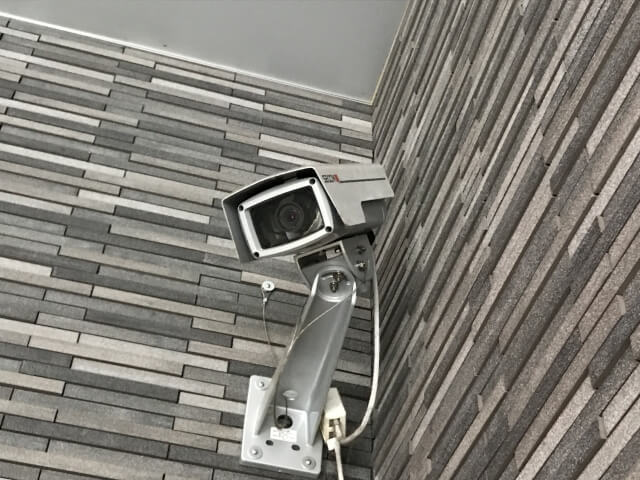 【防犯カメラで泥棒対策】防犯カメラの「ダミーカメラ」の特徴
