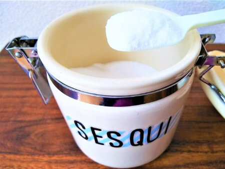 魚焼きグリルの受け皿と網をセスキ炭酸ソーダを使って掃除する方法