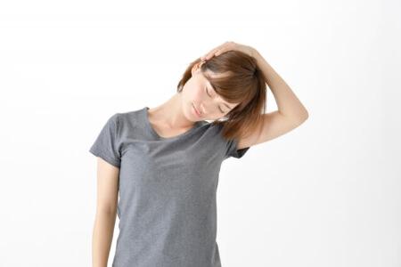 【マッサージで首こりを解消】こりを和らげる簡単な運動