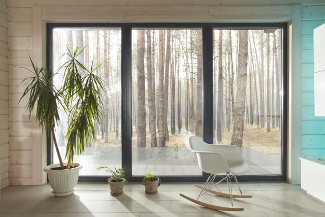 【窓掃除のポイント】簡単にできる窓掃除の方法やカビを取る方法のまとめ