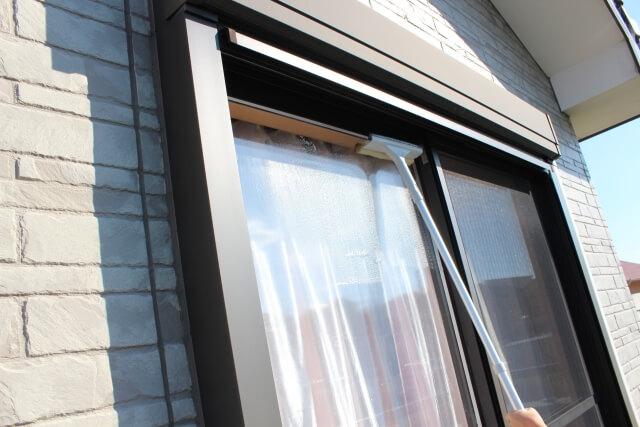 窓掃除をするのにあったら便利な2つの便利アイテム