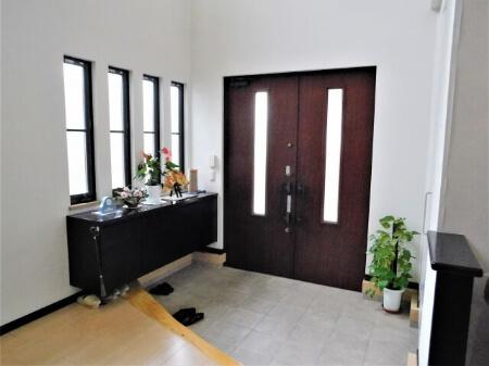 玄関を掃除する前に4種類の玄関素材を知っておこう!