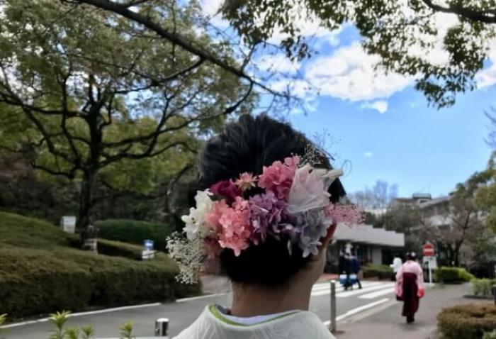 卒業式は袴に合う髪型で絶対可愛くしたい!袴に合う髪型2019(長さ別・着物の色別)