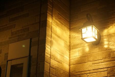 【玄関の照明】玄関内の照明の種類と選び方を知ろう!