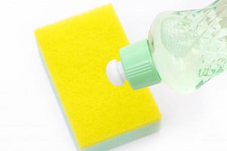 【中性洗剤で掃除】汚れがつきやすい場所は中性洗剤の原液で掃除
