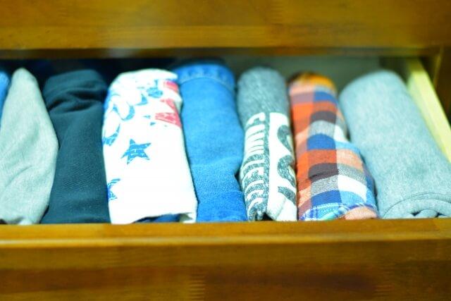 【Tシャツのたたみ方】コンパクトにできるTシャツたたみ方