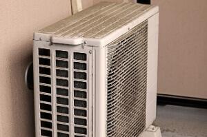 エアコンは空気を冷やさず「室内の熱を集める装置」