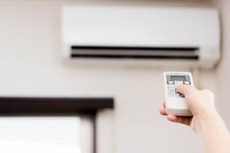 【エアコン室外機】室外機の吹き出し口は塞がないようにする!