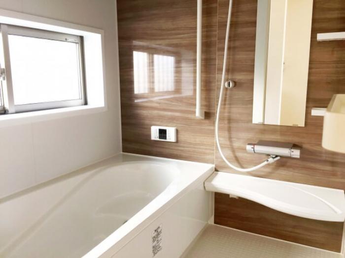 バリアフリーのお風呂で安心!リフォームでバリアフリーのお風呂にする工事内容と費用相場