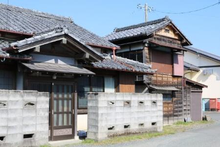 日本の住宅におけるブロック塀の役割