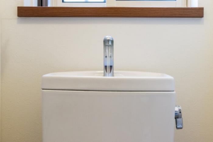 レンジフードの換気扇フィルターはどれくらいの頻度で交換すべき?