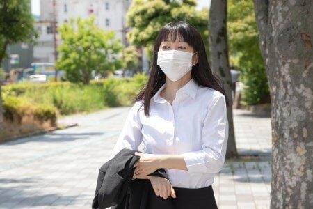 真夏でもマスクの着用が必要な理由