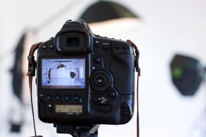 【証明写真機の撮り方】就活や受験写真を証明写真機でキレイに撮ろう!