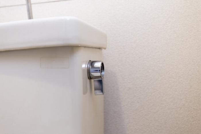 トイレレバーが空回り・元に戻らない!トイレレバーを交換する方法