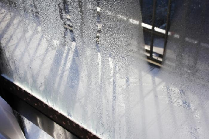 結露対策したい!窓ガラスが濡れるのは結露が原因!?結露対策する方法
