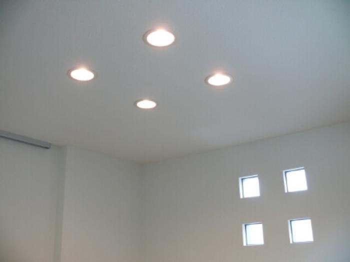 ダウンライトは調色調光機能付きが人気!ダウンライトの調色調光機能の使い分け方
