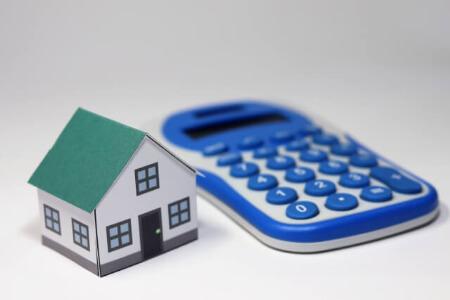 屋根塗装の工事費用の相場と差が出る項目