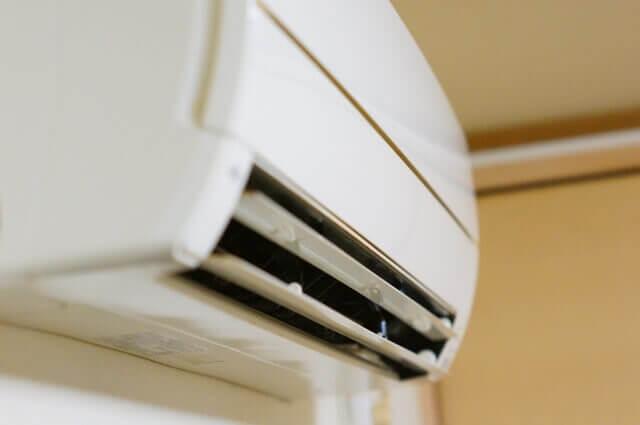 【エアコンの自動掃除機能付き】エアコンの自動掃除も掃除は必要です!