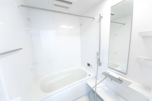 【お風呂の鏡】私はこの掃除方法でお風呂の鏡の水垢が解決しました!