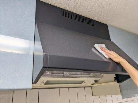 中性洗剤で換気扇レンジフードの油汚れを掃除する方法