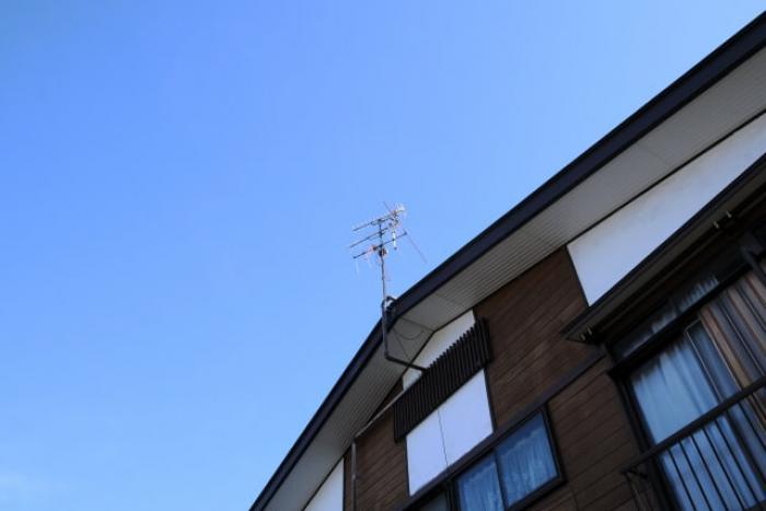 【八木アンテナの仕組み】八木アンテナの特徴や設置する時の注意点