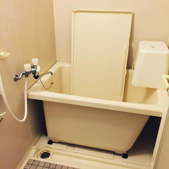お風呂のカビ取り方法を知ったら浴槽のエプロンを外そう!