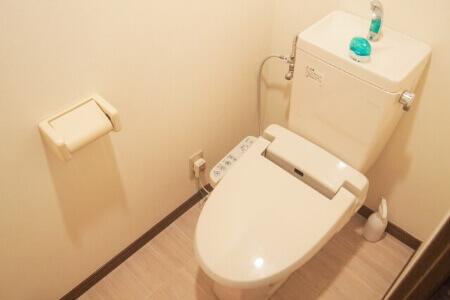 重曹とクエン酸を使ってトイレの便器を掃除する方法