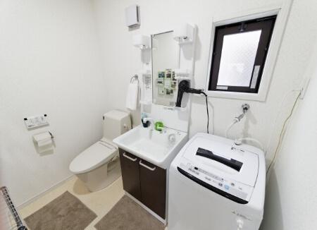 【洗面台が臭い】洗面台が臭い時は洗濯機の排水口も確認しよう!