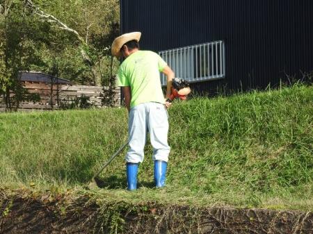 まずは準備!草刈りの道具を知る前に服装や装備を知ろう!