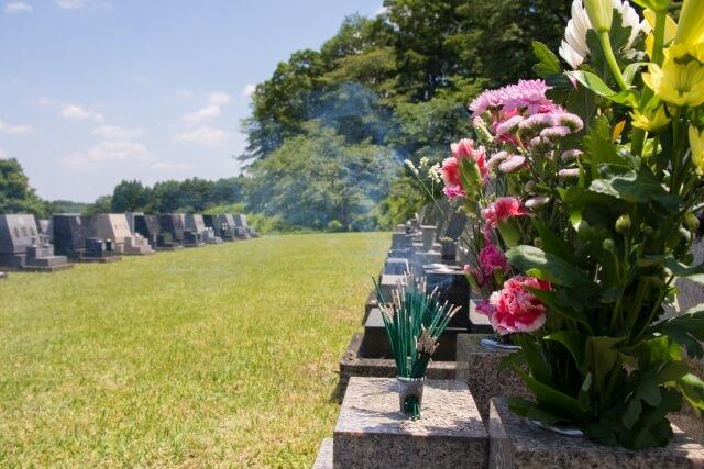 適切な墓参りの時期とは?お墓参りの時期と浄土真宗の彼岸について紹介
