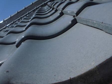 瓦とは屋根に使われている素材のことです