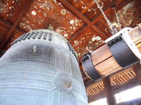 仏壇に置いてある鐘(かね)について基礎知識を知ろう!