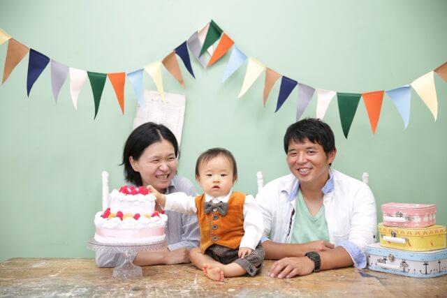 【家族写真の服装】基本のフォーマルとカジュアルのコツを掴んで最高の家族写真を!