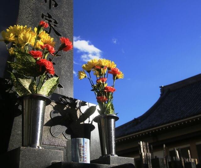 【墓参りの線香】正しい墓参りの線香を供えるルールについて知ろう!