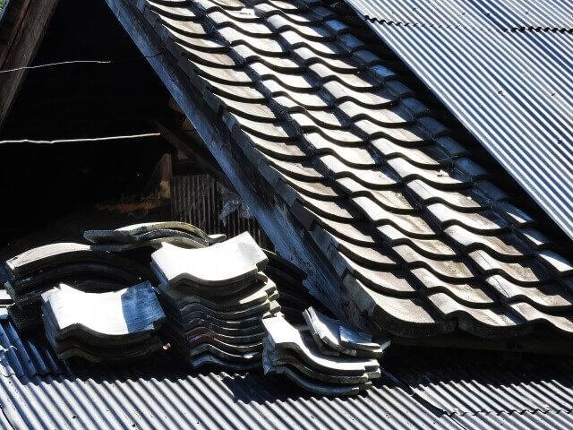 屋根修理する前に自宅の屋根材の種類を把握!屋根修理は火災保険適用される?