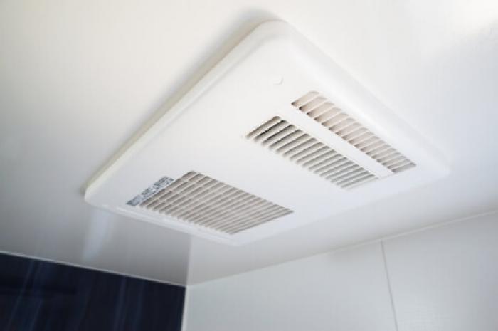 【浴室換気扇の交換】浴室換気扇の「交換時期」と「料金相場」を紹介