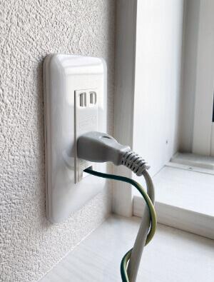 感電を防ぐためにアース線を取り付ける