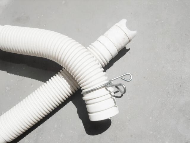 洗濯機の設置方法【STEP2.排水ホースの取り付け】