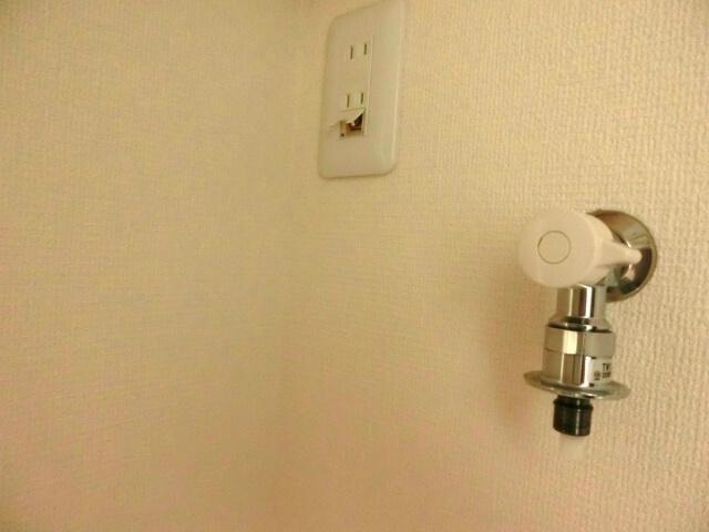 洗濯機の設置方法【STEP3.給水ホースの取り付け】