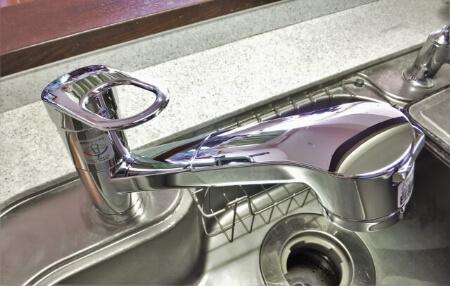 【ディスポーザーの掃除】ディスポーザーの入り口を掃除する方法