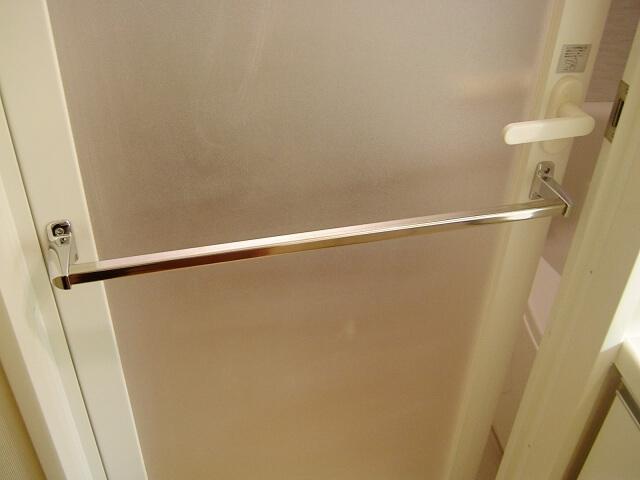 扉 交換 風呂 浴室ドアを交換するときのポイントと交換費用を調べてみました!