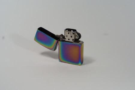【ライターの捨て方】注入式ガスライターのガス抜きする方法