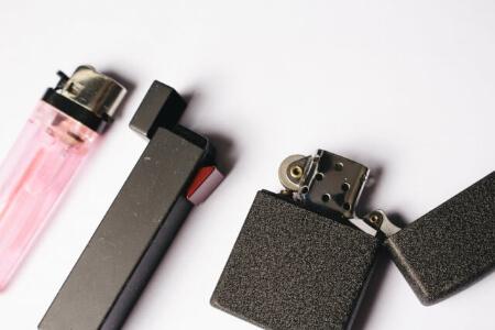 【ライターの捨て方】ライター用ガスボンベのガス抜きする方法